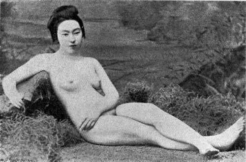 фото юная япаночка голенькая